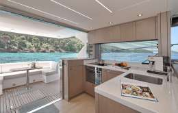 sunseeker Manhattan 52 CICO_galley1